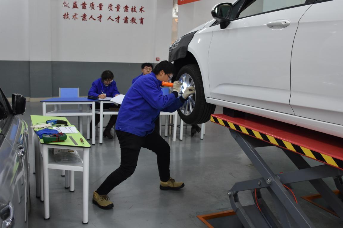 2019年机电工程系汽车技能大赛简讯3.jpg